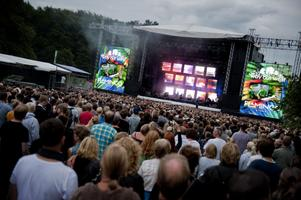 32 000 besökare kom till Way Out West i Göteborg.En hel del av dem samlades framför Pulp.