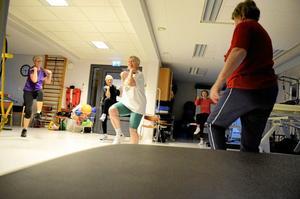 Skillnad. Kerstin Rickardsson som är före detta idrottslärare påpekar att det är ett annat tempo på seniorträningarna.