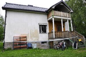En villa i centrala Strömsund eldhärjades under tidiga tisdagsmorgonen.