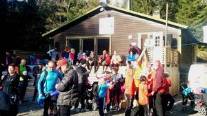 Runt 200 personer letade sig ut i terrängen runt Stormorshäll.
