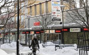 Isabelle Ahlqvist, butikschef på MQ, säger att reaktionerna från personalen är positiva.