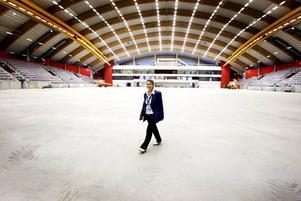 Nöjd vd. Nu är det inte långt kvar till invigningen av Göransson Arena. Arbetarbladet har fått en guidad tur inne i Sandvikens nya landmärke. Maya Olsson, vd, tycker att det är den snyggaste multisportarenan i hela Sverige.