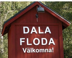 Oroliga invånare. - Jag blev alldeles chockad när jag läste vad som hade hänt här i Floda, det känns som rena vilda västern, säger en Flodainvånare. Foto:Maja Berg