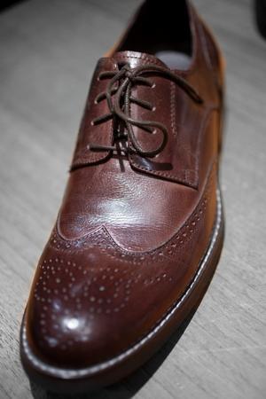 Snygga skor är oumbärligt för en stilig look.