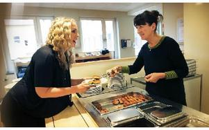 Linda Haglund och Birgit Pallin jobbar vidare.– Vi är inte i mål, det händer nya saker hela tiden, säger Birgit Pallin. Foto: Staffan Björklund
