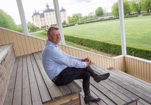 Jens Fredricson försöker hinna se mycket av tävlingarna. Han gillar spänningen i finalen av ponnyallsvenskan och tittar gärna på Grand Prix dressyren.