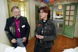 Nya kontraktsprosten Christin Nygren Sundvisson här tillsammans med biskop Tony Guldbrandzén.