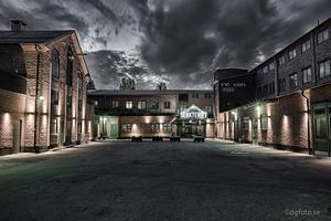 En HDR nattbild över gamla slakteriet