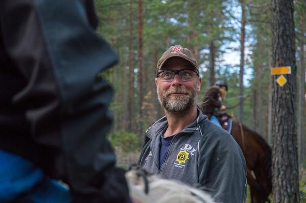 På tävlingar måste pilen skjutas i galopp, annars gills den inte, berättar Mats Woxmark.