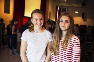 Fanny Jonsson och Lovisa Holtan i 8 A på Nyheden vill båda åka till rymden.