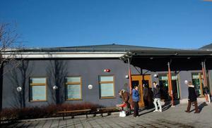 STORT INTRESSE. Trycket på Komvux i Tierp är stort. Skolan tvingas att säga nej till elever inför höstterminen som börjar på måndag.