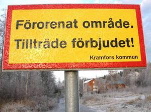 Kommunens skyltning efter dioxinavslöjandet, november 2004.