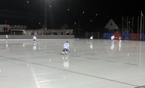 Frillesås slog Kungälv med 5–4 i regnet på Skarpe Nord på torsdagskvällen. Foto: Fredrik Ternevi.