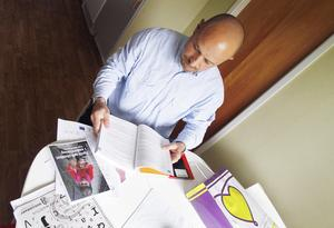 Isak Alsabban har tidigare arbetat som revisor i Syrien, nu drömmer han om att skola om till mattelärare i Sverige.