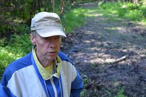 Åke Höglund har bott på Tynderö hela sitt liv men har aldrig sett en björn, förrän två veckor sedan.
