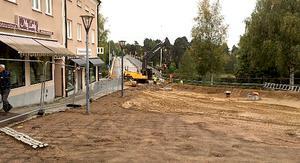 Arbetet med Leksandsbron går så bra att man blir klar en hel månad tidigare än beräknat.