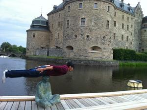 Stefanos Theologou förenar Örebros skatter med planking.