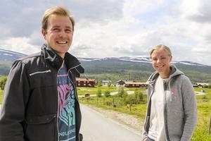 Magnus Myhr och Mikaela Sundbaum från arrangörsteamet ser fram mot årets mässa som redan har bra bokat.