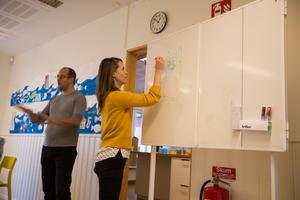 Serietecknarworkshop med Joakim Gunnarsson och Johanna Kristiansson.