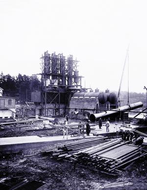 Under byggnationen 1928.