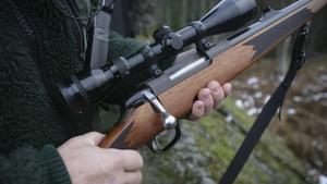 En politiker i Hudiksvalls kommun fick veta att hon levde farligt, när en irriterad medborgare berättade att han hade vapen och hade använt det förut.