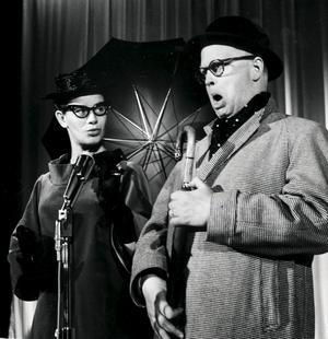 Povel Ramel med Birgitta Borg i  revyn