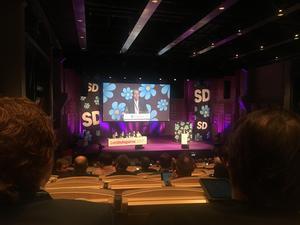 I kväll inleddes SD:s landsdagar på Louis De Geer-centret i Norrköping. Här ska gräsrötter och partitoppar staka ut vägen fram till valet 2018. Ledarredaktionens Gabriel Ehrling är på plats.