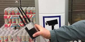 När störsändare testades visade det sig att den störde ut larmbågarna i butiken.