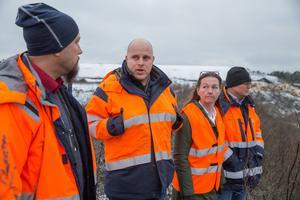 Markku Päivinen, Niklas Dall, Kicki Carlsson och Johan Fagerlund är alla inblandade i projektet där ungefär en hektar av de gamla deponierna ska täckas varje år fram till 2045.