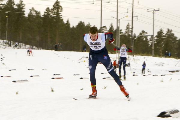 Markus Ruus från Åsarna segrade i Svegsskidans klass för H21.
