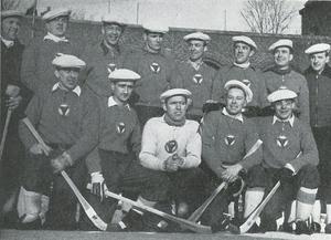 Brobergs lag 1947: Stående fr.v.: Ivan