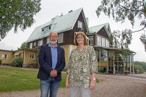 Thomas  Lundgren, rektor och Anita Leanderson, administrativ chef på Sjöviks folkhögskola  har iakttagit behoven på arbetsmarknaden när det valt att starta en vårdbiträdesutbildning.