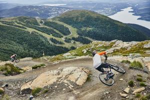 Cykla downhill i Åre. Foto: Jonas Kullman