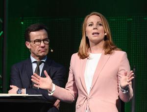 Alliansens partiledare besökte Centerpartiets kommundagar på Arlanda i februari. Ulf Kristersson i bakgrunden.Foto: Henrik Montgomery / TT