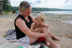 Madelene Karlsson och 4-årige sonen Hampus Dunder.