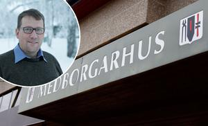 På bilden syns kommunalrådet Anders Häggkvist (C). Bilden är ett montage.