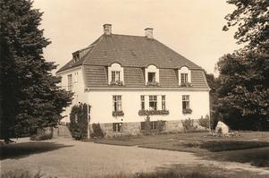 Småryd gård utanför Båstad. Bild från boken.
