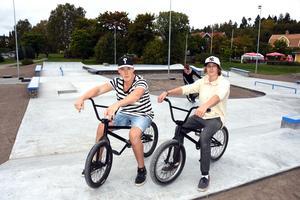 Tim Will och Gabriel Liljedahl är två av dem som tycker att skateparken är mycket efterlängtad.