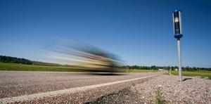 Lev lite sakta – du hinner fram ändå, uppmanar Boende vid riksvägen. Foto: Ryan Garrison/Arkiv
