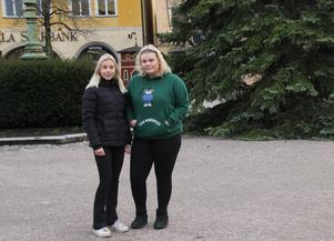 Lisa Lindfors och Love Dahlgren lyckades få Annika Östberg att komma och föreläsa om sin tid tillbaka från fängelset.