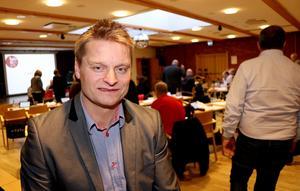 Utbildningsnämndens ordförande Mikael johansson (S) medger att det finns en del luckor i beslutsgången som borde förklarats i protokollet.