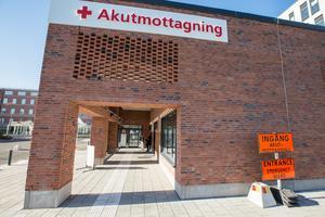 Akutmottagningen i Örebro har fått nya lokaler men bemanningsproblemen är kvar.