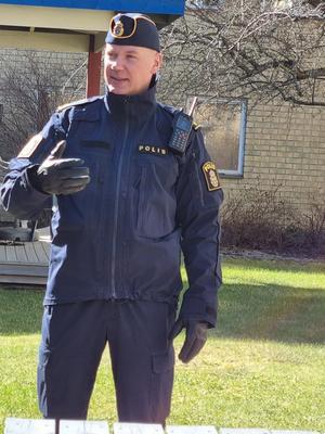 Johannes Persson tog emot PRO. Bild: Maj-Britt Norlander.