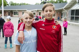 Oscar Wikander och Vilmer Lindgren från Uslands skola.