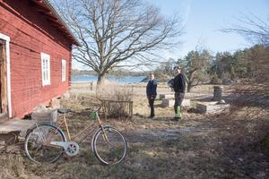 Lisa Rosell och Markus Göth trivs bra på sin arrendegård i Käringboda.