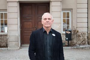 Roine Peimer är ny rektor på Ekebyskolan och Vallaskolan sedan december.
