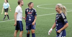 Sofia Lagerström och lagkamraterna visade glädje redan i halvtid.