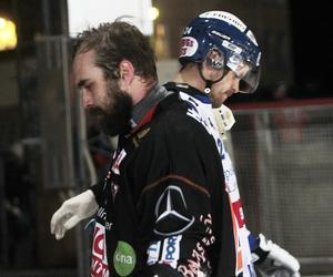 Senast lagen möttes släppte Niklas Prytz bara en boll bakom sig, och Bollnäs blev då första lag att slå Villa den här säsongen. På fredagen tvingades han släppa åtta bollar bakom sig trots att han gjorde flera högklassiga räddningar i första halvlek.