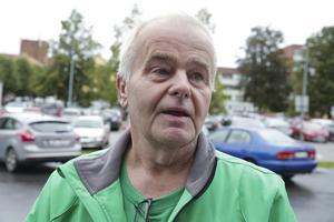 Ska landsbygden betala den havererade ekonomin eller vem ska göra det? undrade Jan Karlsson.