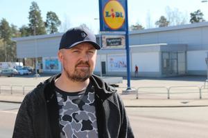 Christian Stjernström brukade DJ:a på Rex som fanns på den tomten där Lidl står idag. Den nattklubbsscenen orten hade då är sedan länge insomnad.